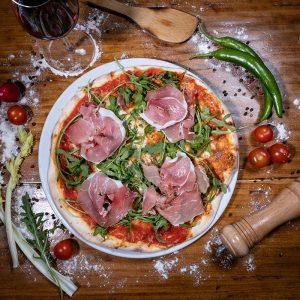 PIZZA CRUDO - Restaurant Pizzeria - IL PADRINO Baia Mare